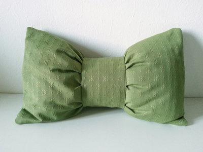Cuscino fiocco verde arredo