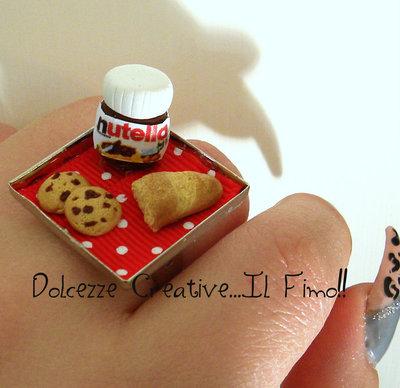 Anello Colazione -Regolabile- Nutella, pane, staffa a pois rossa, pane, cioccolata e biscotti