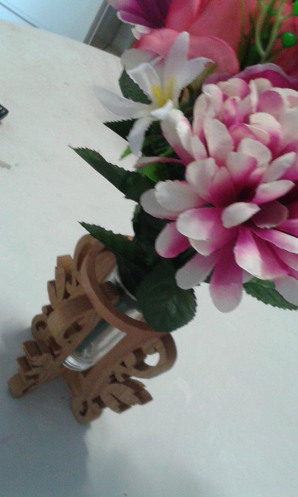 Vaso fiori in legno
