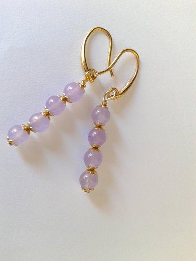 orecchini quattro perle di giada lavanda con coppette oro e monachella oro