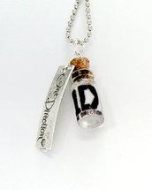 Collana con pendente a bottiglietta: One Direction