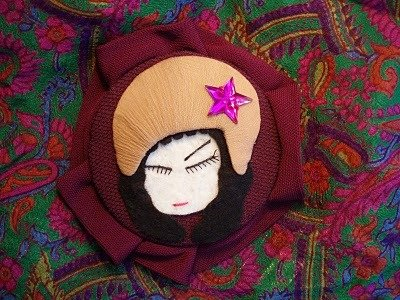 Lady Star, Broche