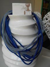 collana multifilo in lycra bleu e retina bianca