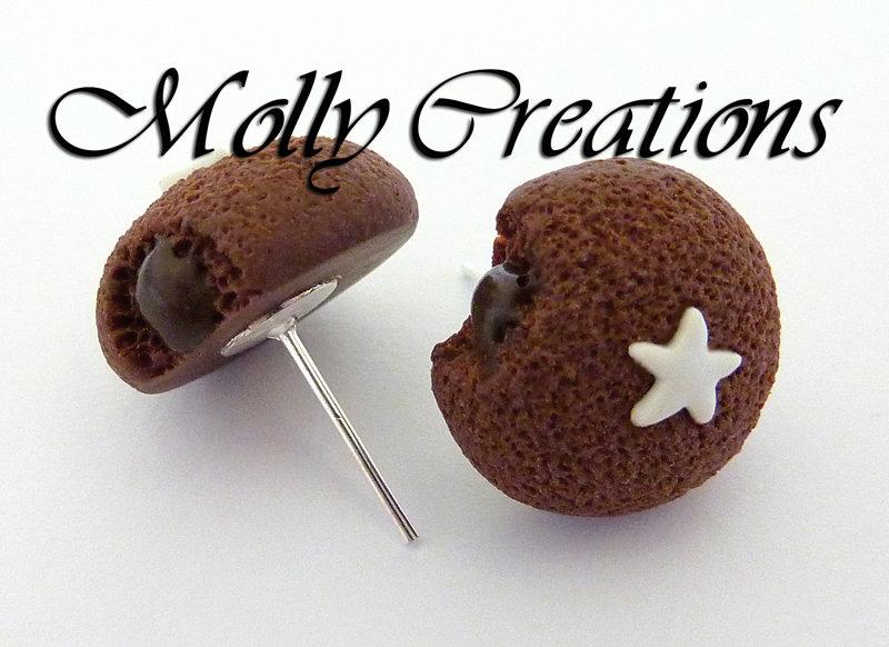 Orecchini a perno Mooncake Pan di Stelle in Fimo.