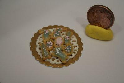 Vassoio con miniature di biscotti 1:12 di Pasqua