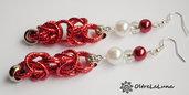 Orecchini con maglia bizantina magenta argento e perle