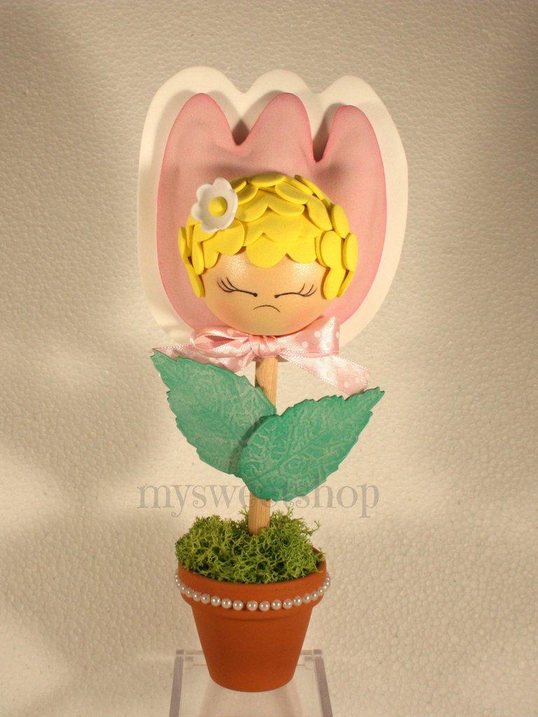 Vasetto decorativo con tulipano e fatina