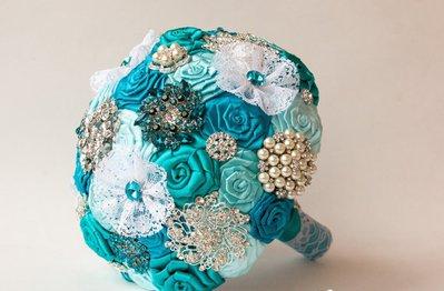 VENDITA!!! Spilla Bouquet. Turchese tessuto bianco,pizzo Bouquet, Bouquet da sposa