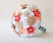 Bouquet  spilla, Bouquet tessuto .Bouquet  bianco e corallo per sposa