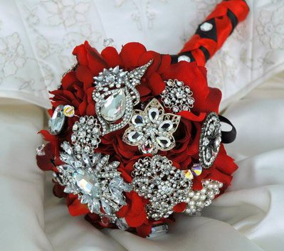 VENDITA!!! Spilla Bouquet. Bouquet  tessuto rosso. Bouquet da sposa