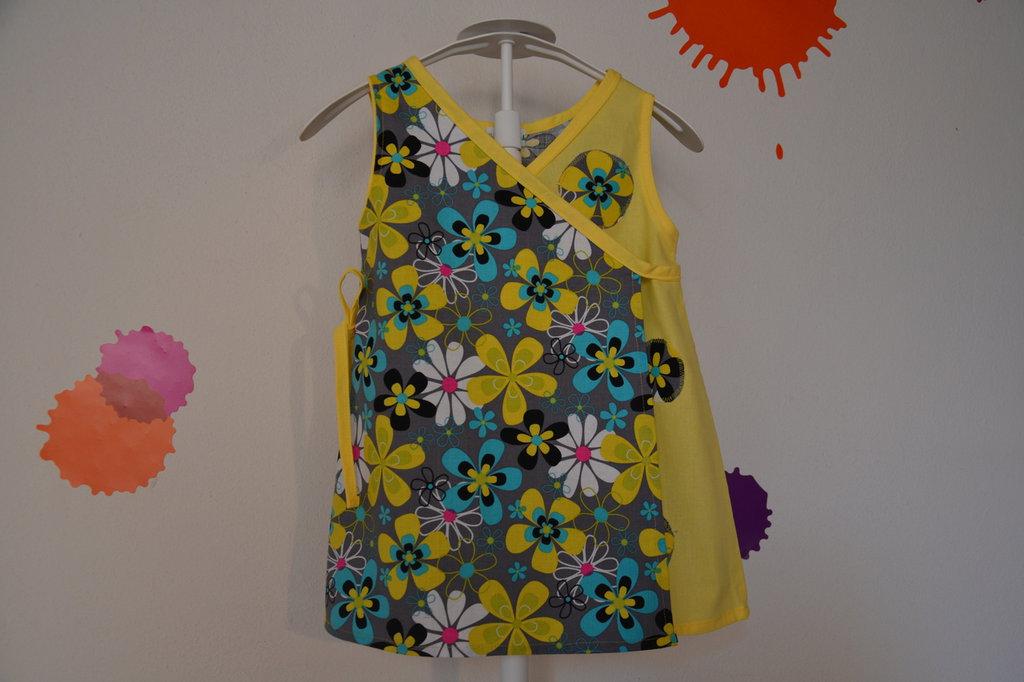 vestitino prendisol bambina con fiori in tessuto naturale fatto a mano