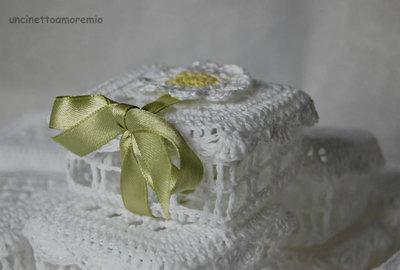 Bomboniere: scatola rettangolare ad uncinetto