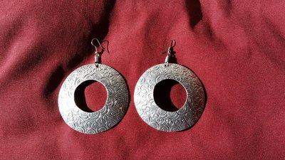 Orecchini a cerchio in alluminio