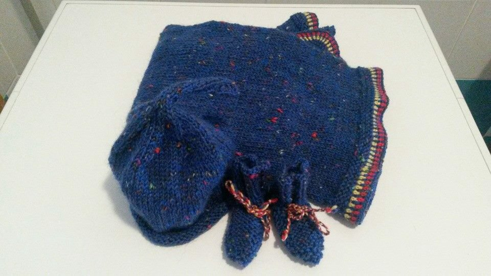 Completo per neonato......coperta ......cappello....scarpine.....