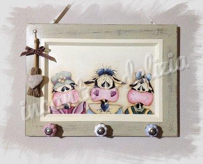 Appendino in legno decorato a mano