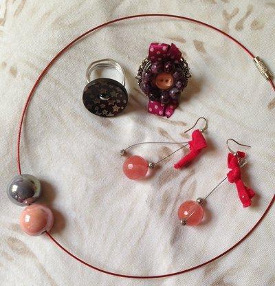 OFFERTA 4X1: lotto n. 1 - Girocollo in acciaio, due anelli e orecchini pendenti