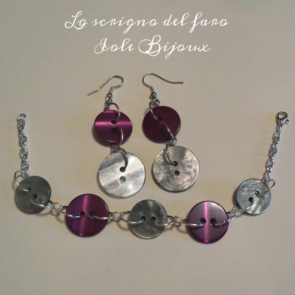 Orecchini e bracciale con bottoni viola e grigio madreperla
