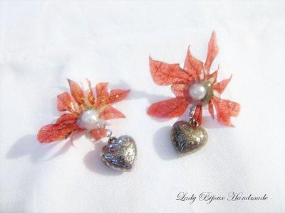 Orecchini a clip con fiore rosso fatto in Sospeso Trasparente con cuore pendente bijoux moda donna