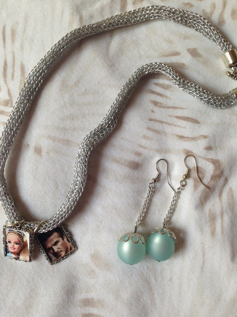 OFFERTA 3X1: lotto n. 5 - Girocollo in maglia argentata e quadretti,  anello di alcantara e orecchini pendenti