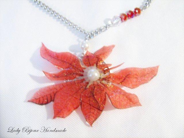 Collana con pendente ciondolo fiore rosso fatto in Sospeso Trasparente