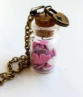 Collana con pendente a bottiglietta: Cuori
