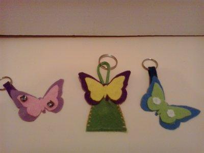 Portachiavi in feltro con farfalle