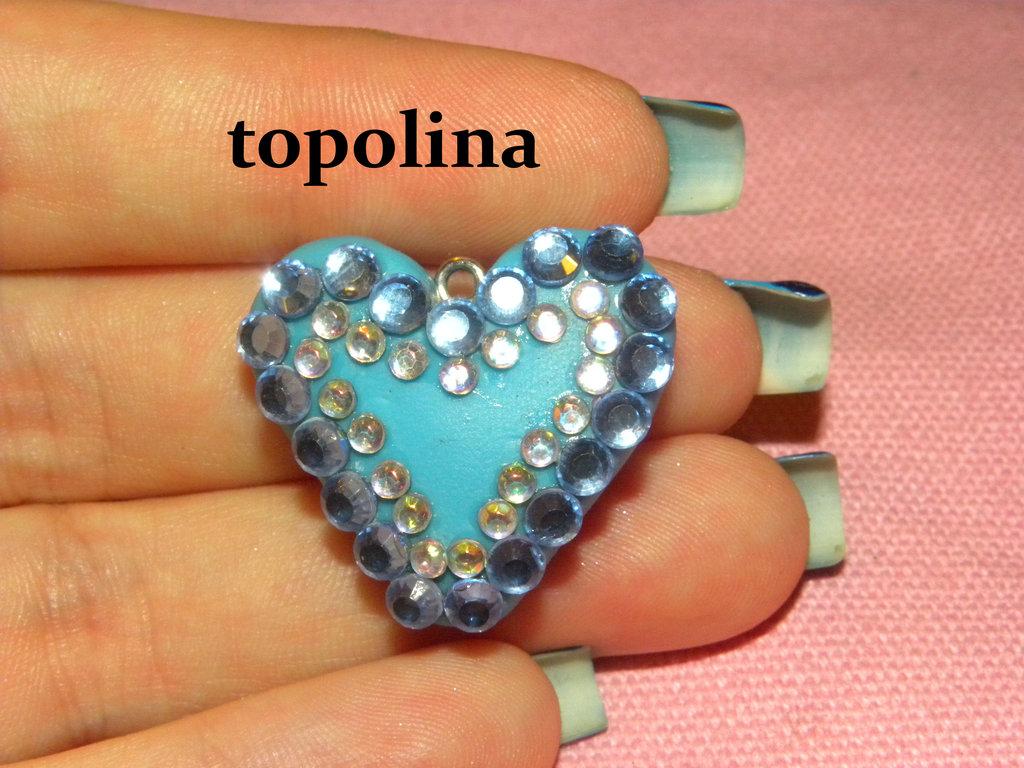 ciondolo cuore azzurro in fimo con diamantini azzurri e crystal