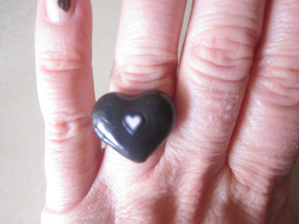 Anello cuore nero fimo