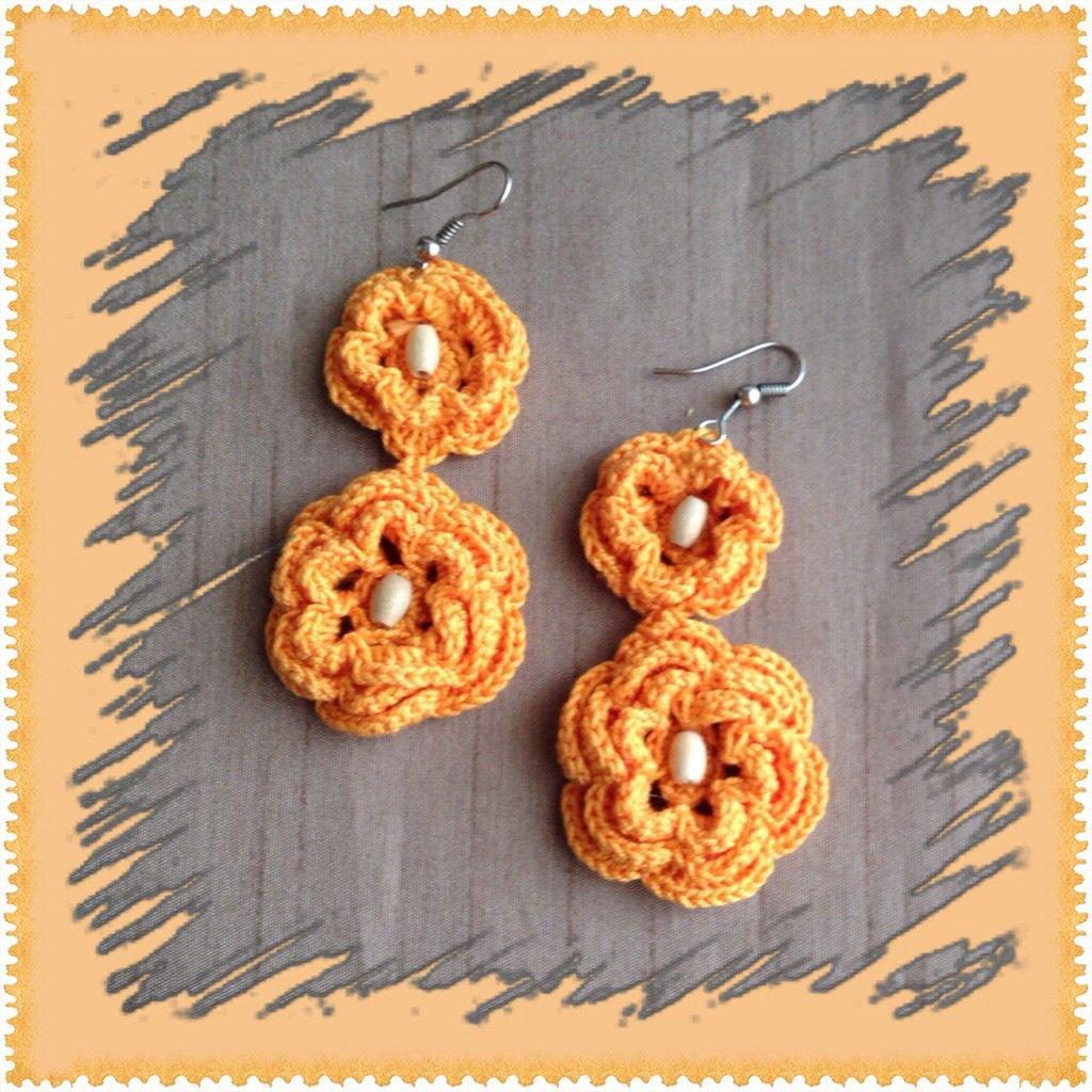 Orecchini pendenti color arancione ad uncinetto, fatti a mano