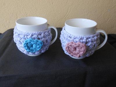 Coppia di  tazze con copritazze in fettuccia cuore rosa celeste, idea regalo san valentino.