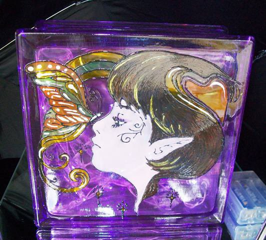 lampada viso farfalla dipinta a mano