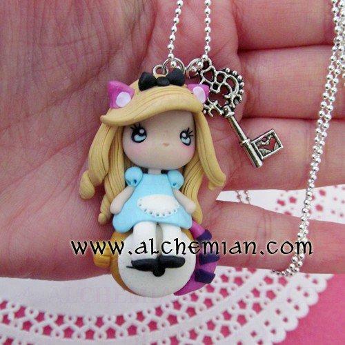 Alice versione Stregatto Collana modellata a mano in FIMO