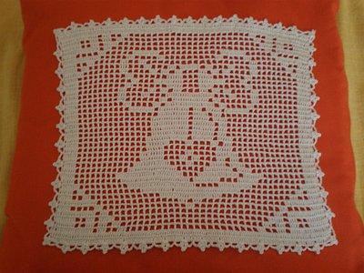 Centrino quadrato con campana di Pasqua crochet
