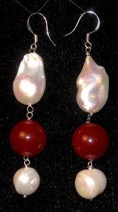 Orecchini in argento, corniola, perla di fiume barocca, perla di fiume