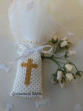 Sacchettino porta confetti con la croce