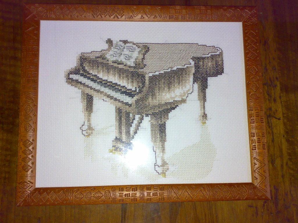 """Quadro """"Pianoforte"""" -punto croce-"""
