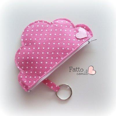 nuvola borsellino portachiavi con cerniera colore rosa fragola a pois