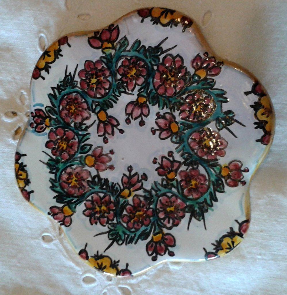 Poggia caffettiera in ceramica dipinto a mano.Decoro Floris