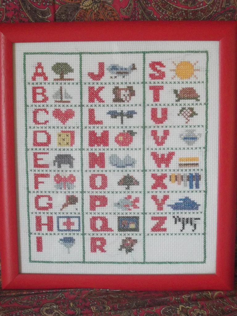 Ricamo a punto croce alfabeto incorniciato, per cameretta bambini