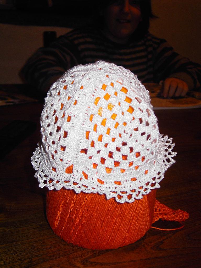 Cappellino in cottone per neonata