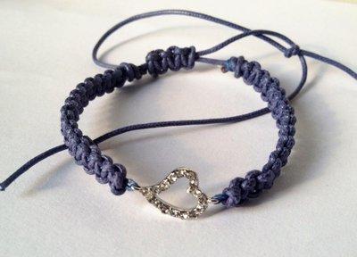 Braccialetto shamballa con cuore blu