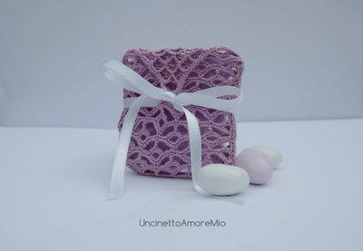 Bomboniera portaconfetti ad uncinetto in lilla - sacchettino ventaglietti