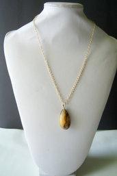 Ciondolo grande ambra baltica naturale con collana in argento 925 dorata