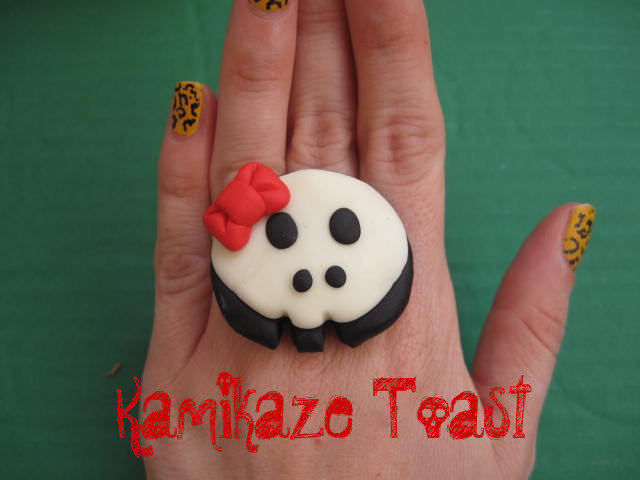 Anello Teschio Kawaii (glow in the dark)
