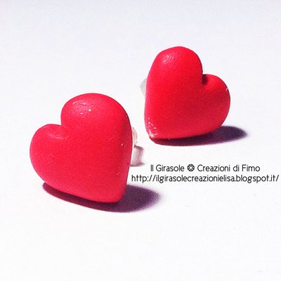 Orecchini cuore rosso in fimo a perno