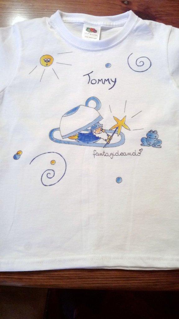 "t-shirt manica corta cotone ""magicucù"" dipinta a mano"
