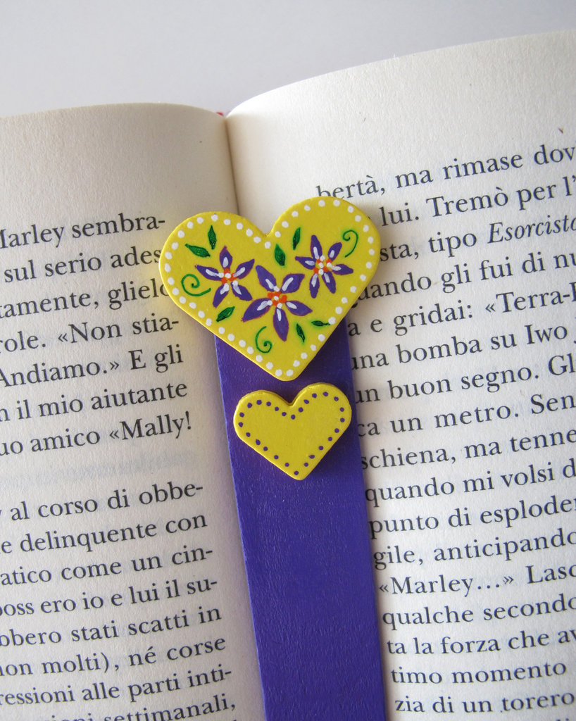Segnalibro cuore in legno dipinto a mano 11