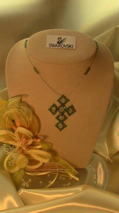 Croce in rame e  cristallo Swarovski