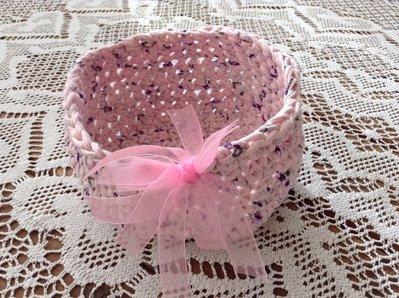 Cestino rosa in fettuccia......idea regalo