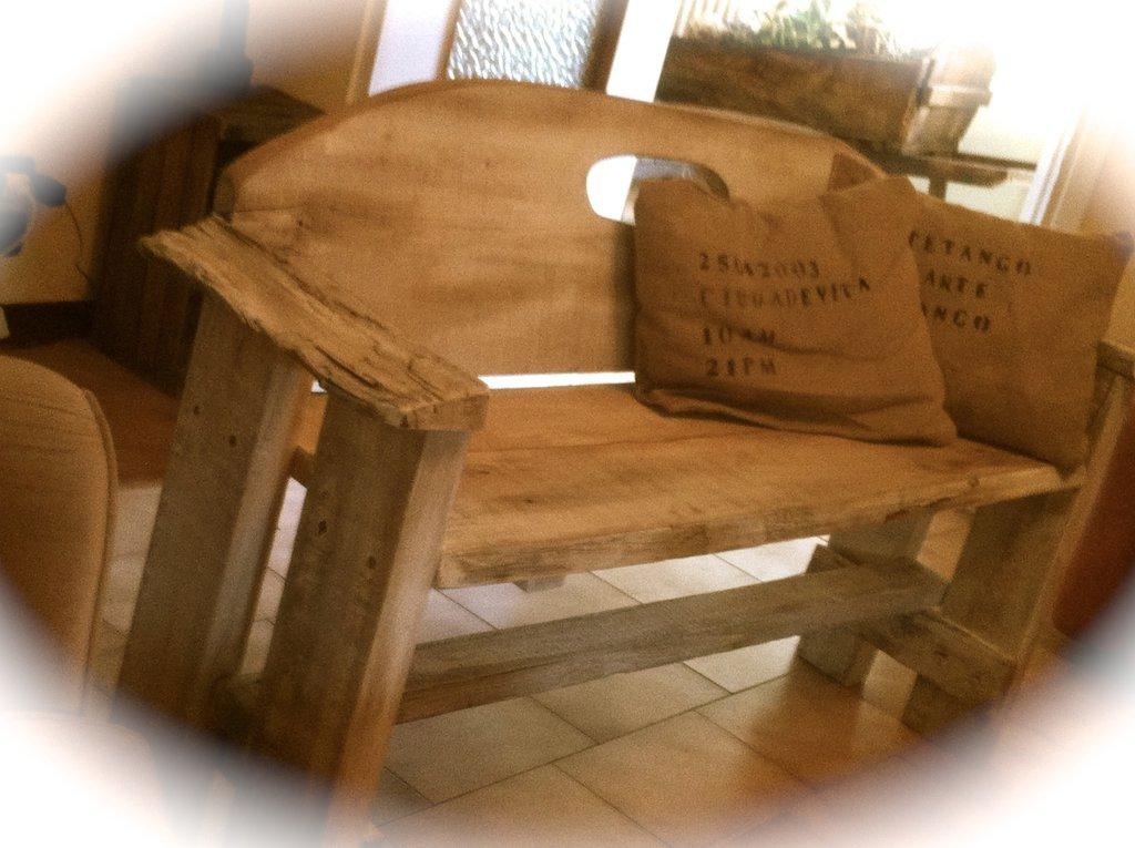 Panca in legno fatta a mano